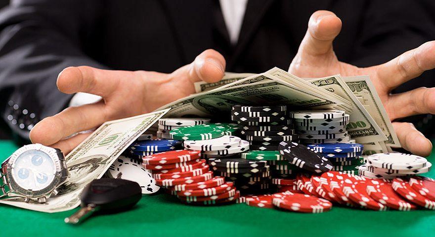 Pemain Poker Online PROFESIONAL